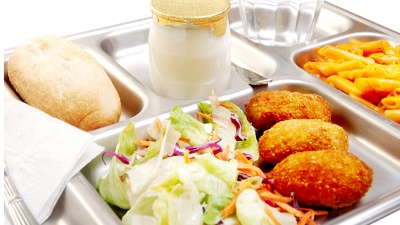 School-lunch-cafeteria-jpg_20150604150001-159532