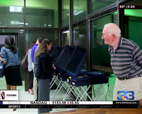 People turn out in record numbers to vote early