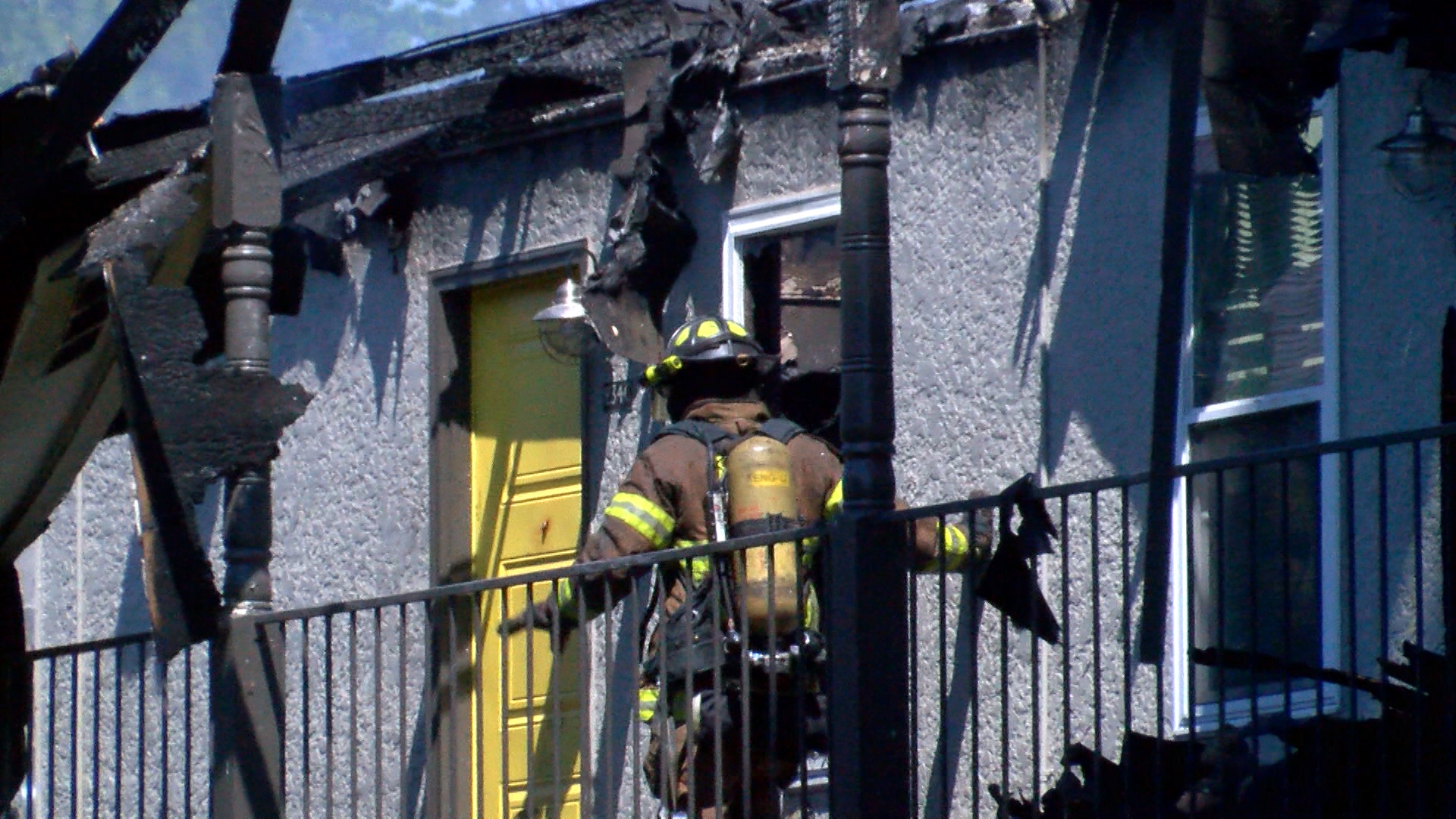 APARTMENT FIRE_1494118320932.jpg