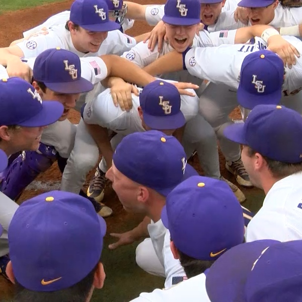 lsu baseball huddle vs missouri_1521255791093.jpg.jpg
