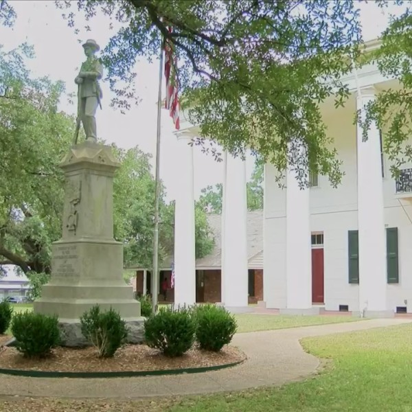 Clinton mayor and attorney at odds over confederate statue location