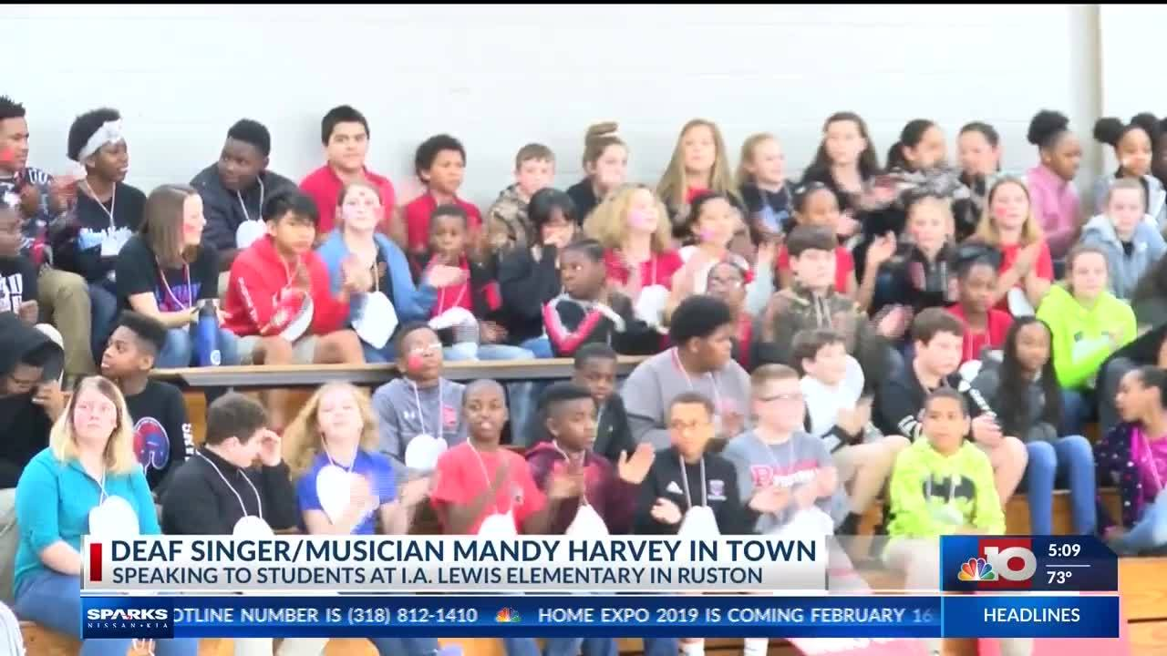 Mandy Harvey, deaf singer from AGT, spoke to students at