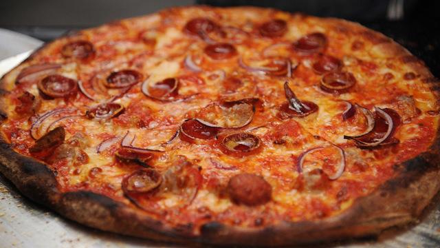 pizza_1537445188989_56227553_ver1.0_640_360_1537446382413_56228353_ver1.0_640_360_1537450641817-842137442.jpg