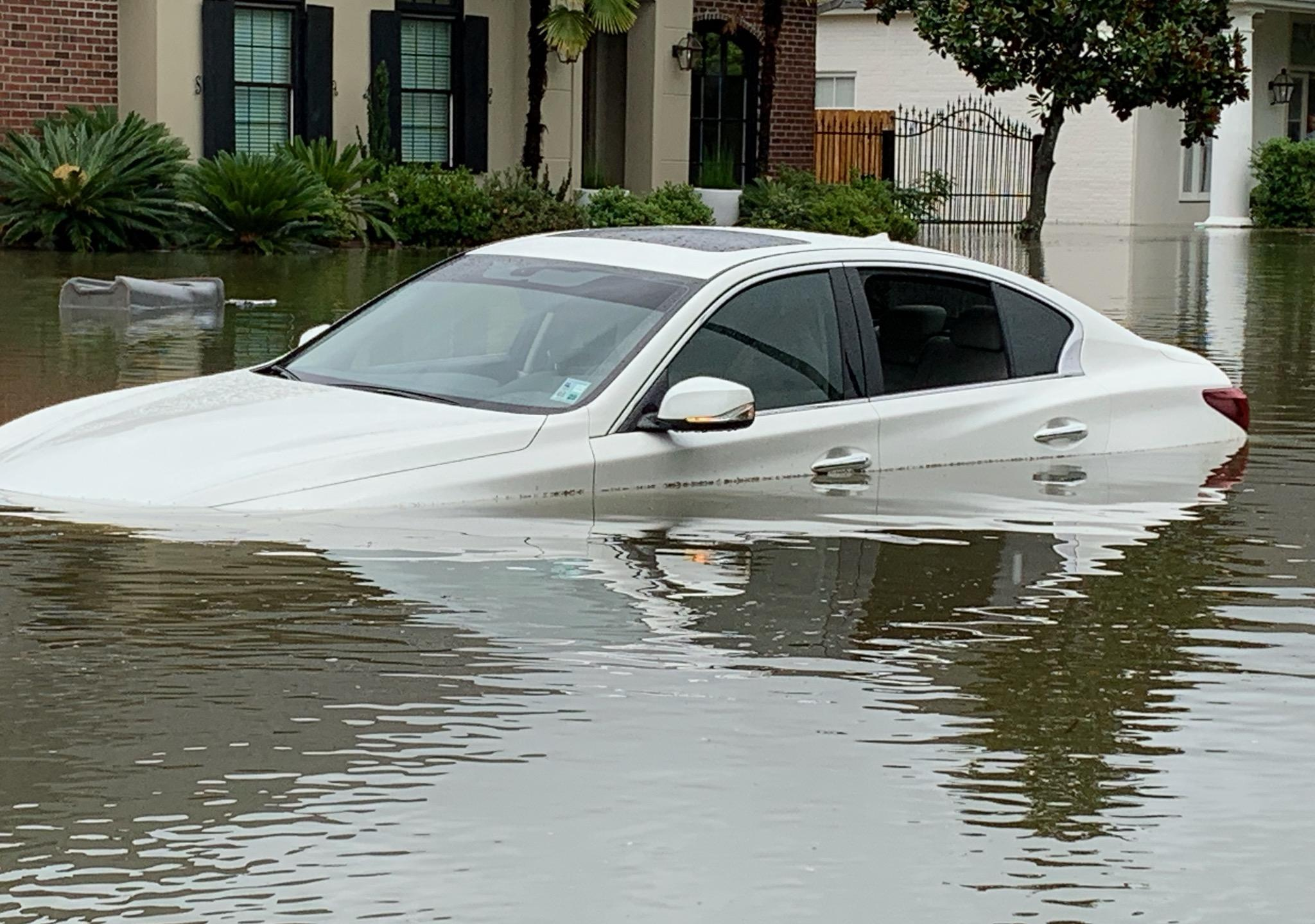 Widespread flooding in Baton Rouge