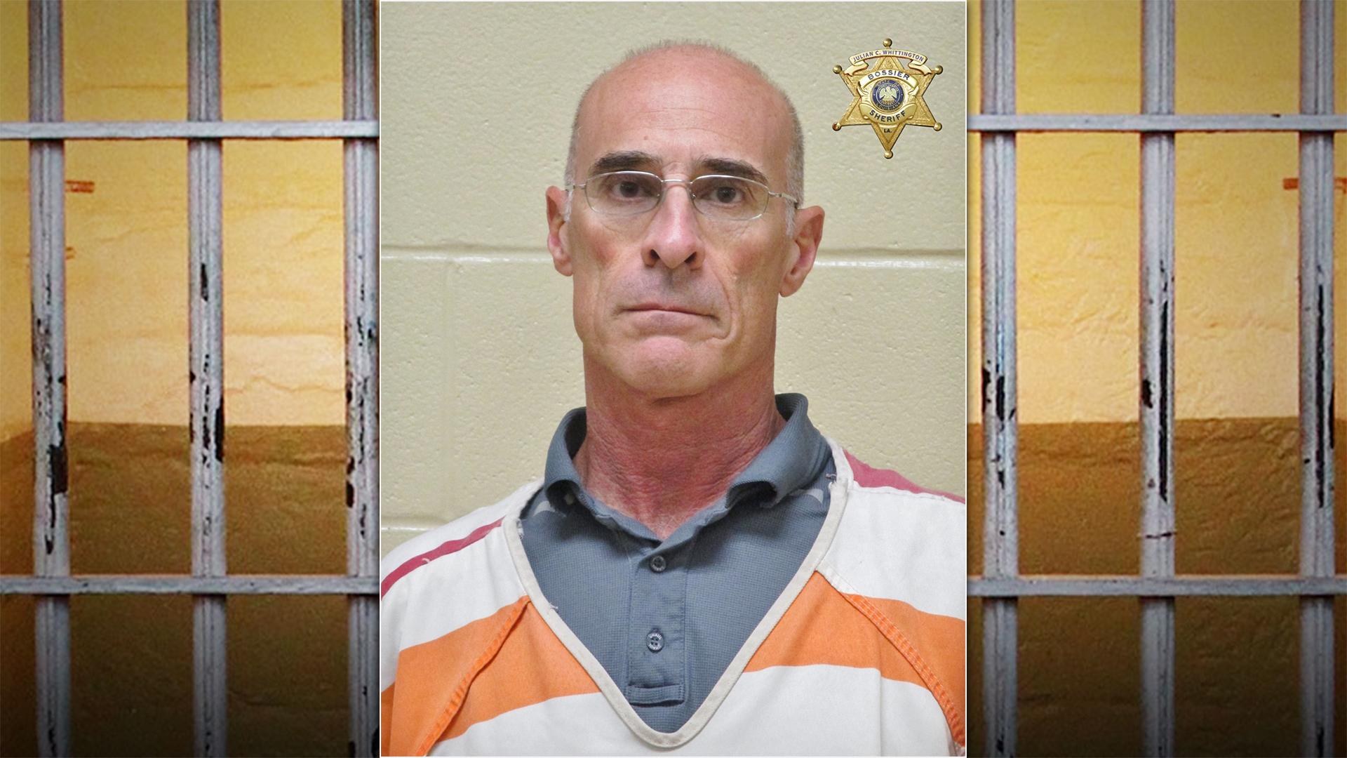Albuquerque man accused of exposing himself to neighbors