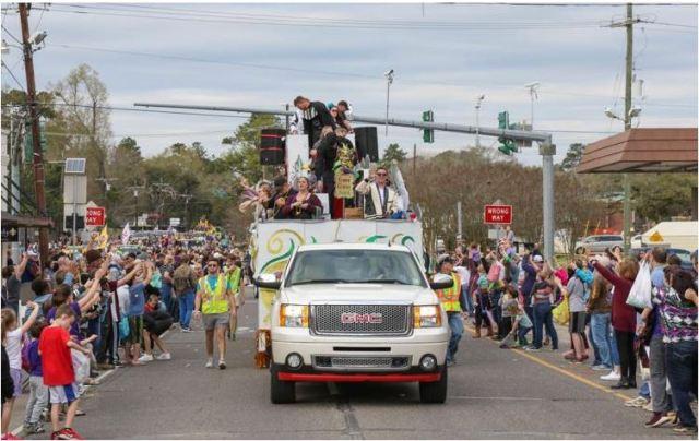Denham Springs Christmas Parade 2021 Brproud Krewe Of Denham Springs Announces Cancellation Of 2021 Mardi Gras Season